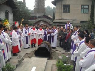 中國:樂山教區羅篤熹主教安息主懷