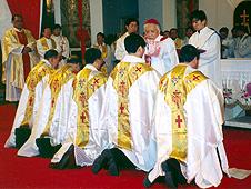 中國:非法晉牧主教回顧十年崎嶇路