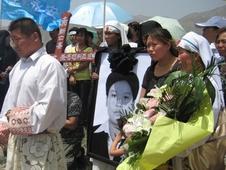 教職人員凶殺案成教會展示團結的契機