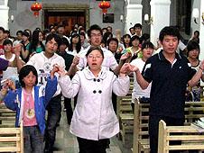 西安大學生參加教會生活營探尋信仰