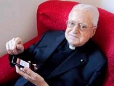 【特稿】電腦「超文本」創始人布薩神父與世長辭