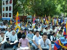 印度及尼泊爾流亡藏人展開四天絕食抗議