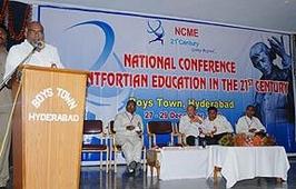 印度:蒙特福特修士會起草全球教育憲章