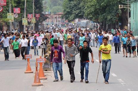 尼泊爾反對新憲法示威演變成暴力衝突