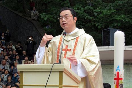中國信徒譴責主教團罷免馬達欽主教 thumbnail