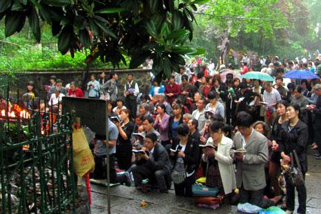 中國神父呼籲政府尊重宗教自由