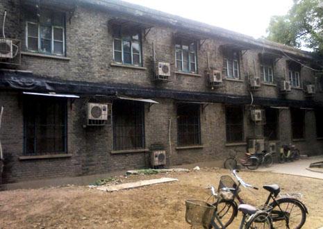 北京修女暴雨災害後尋找臨時住處