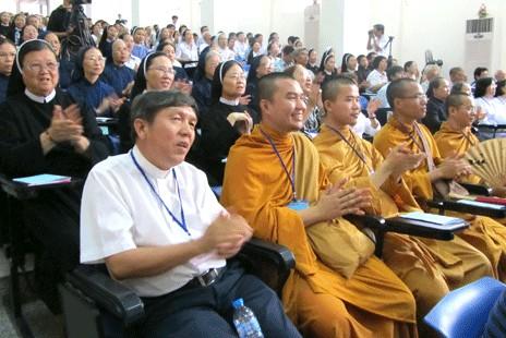 越南不同宗教信徒分享祈禱力量經驗
