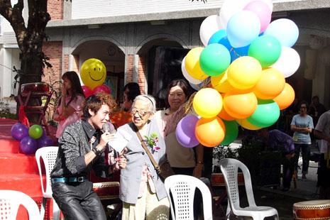 高雄教區孝愛安老院舉行四十周年慶祝會