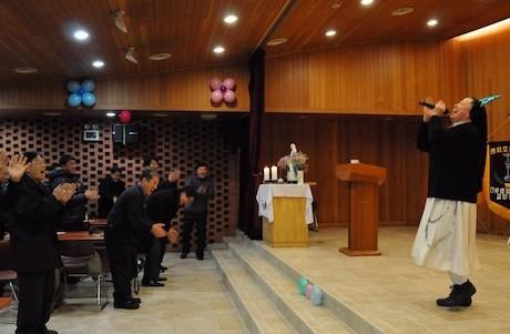 韓國修女以大笑治療法助人舒緩壓力