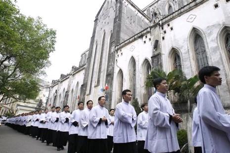 人權組織關注越南新法令限制宗教活動 thumbnail
