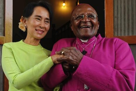 杜圖大主教到訪仰光與昂山素姬會面