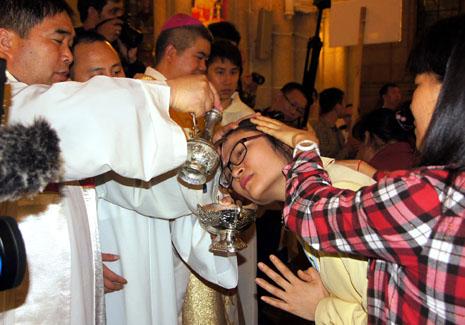 中國城市慕道者增加,復活節萬六人領洗