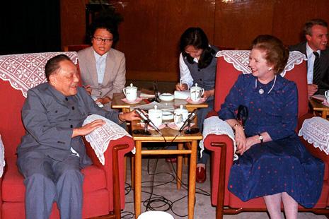 香港市民對戴卓爾夫人的回憶具爭議性 thumbnail