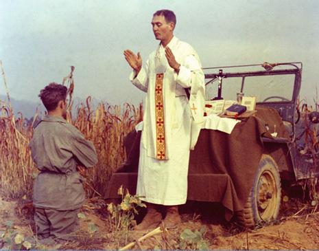 美國白宮追授韓戰隨軍司鐸榮譽勳章