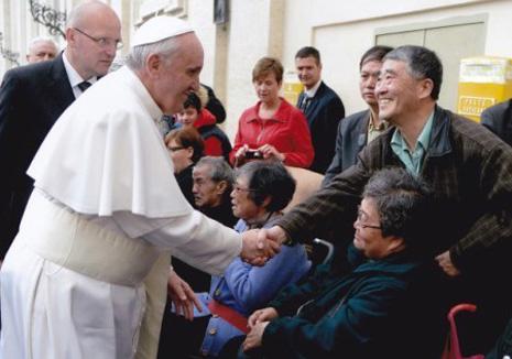 教宗方濟各首次呼籲為中國天主教徒祈禱