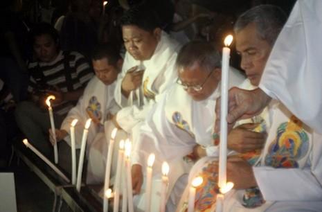 菲律賓主教拒絕讓神職人員攜帶槍枝 thumbnail