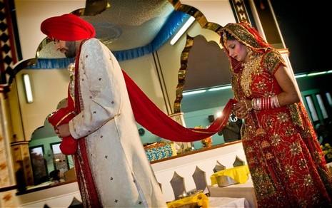 英通過同性婚姻,宗教團體喊停所有婚禮