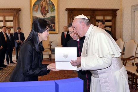 教宗呼籲信眾為執政者祈禱,積極參與政治 thumbnail