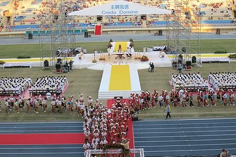 台灣信德年閉幕禮中呼籲參加「反修民法」遊行