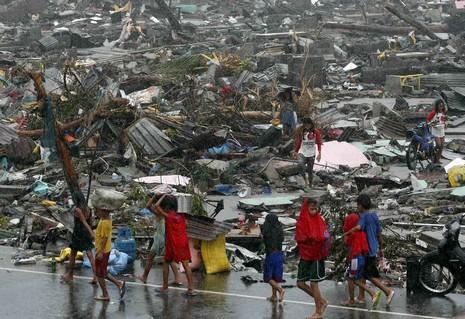 教宗援助菲災民,地方教會分發「特令祈禱文」