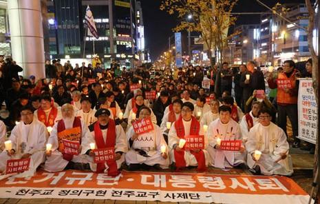 神父團體要求南韓總統辭職事件繼續發酵