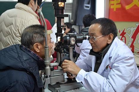 天津教會聯同醫療團體普查眼疾,提高老人視力健康