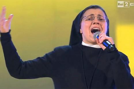意國修女好聲音用天賦傳福音