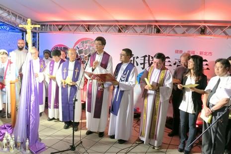 台天主教會在發生砍殺事件的捷運站舉行祈福禮