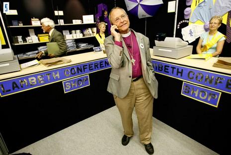 聖公會首位同性戀主教宣布與伴侶離婚