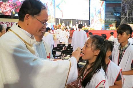 台灣逾三百位孩童在聖體大會初領聖體