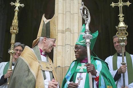 英聖公會通過可祝聖女主教,且可穿便服舉行禮儀