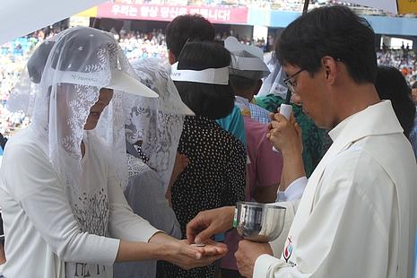 中國年輕神父談參加亞青節見到教宗的心情