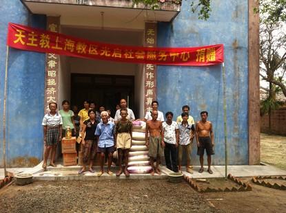 上海教區向海南受災堂區伸援助手顯示教內情