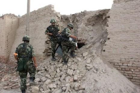 中國突擊搜查新疆的伊斯蘭學校並拘捕數十人