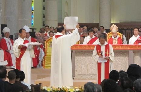 大陸教友喜見證香港三位新輔理主教的誕生