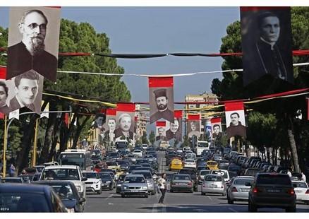 教宗訪阿爾巴尼亞向共產政權下的殉道者致敬