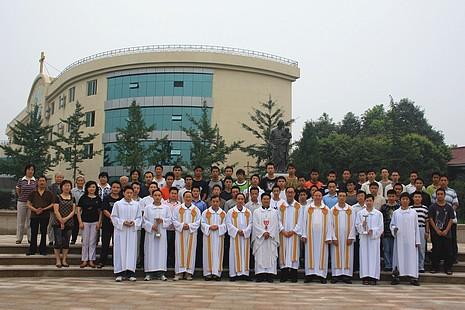 四川修院接受教友攻讀神學,為教會儲備人才