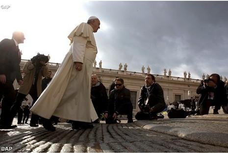 主教牧職不是榮譽而是服務,展現母性團結教會
