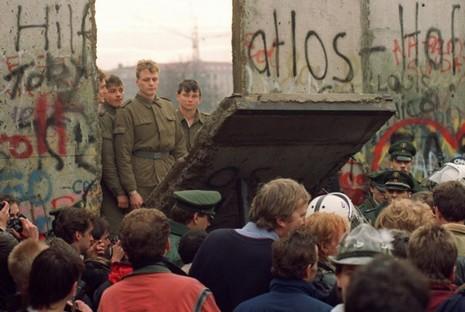 柏林圍牆倒下的歷史意義和若望保祿二世的貢獻