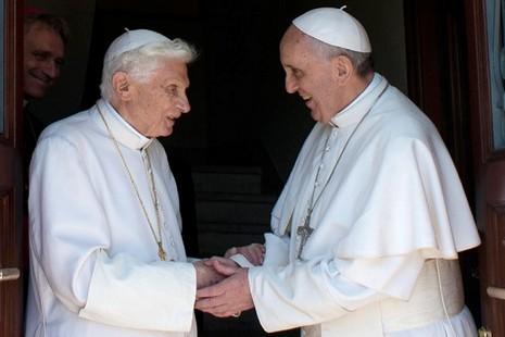 榮休教宗冀別人稱呼他「本篤神父」