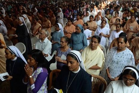 斯里蘭卡印籍神父宣聖,果阿政府資助觀禮者惹非議