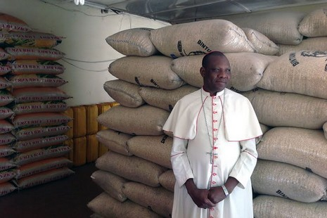 非洲主教稱耶穌顯現贈念珠,助驅逐伊斯蘭恐怖組織