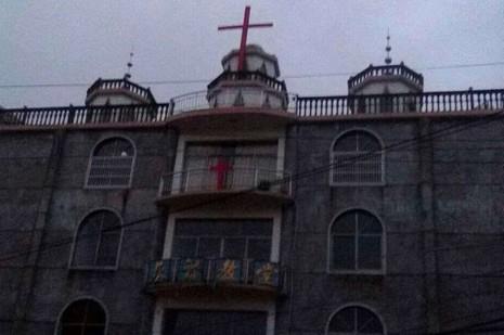 溫州教區回應《建築規範》指卸責,基督教重立十字架 thumbnail