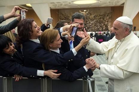 教宗讚揚意警察打擊犯罪組織,網傳伊斯蘭國已抵羅馬