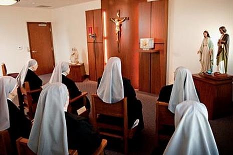 【評論】美國修女、中國酒精和宗教迫害 thumbnail