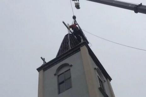 【評論】十字架被強拆後