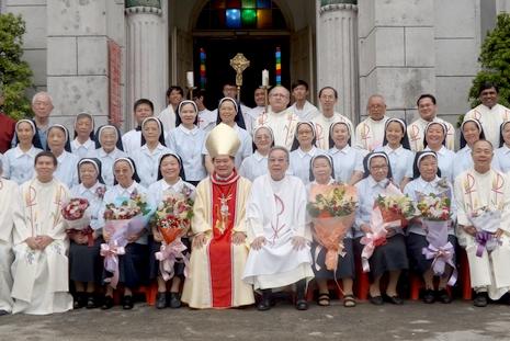 中國教會首個國籍女修會在台慶祝會士發願金禧 thumbnail
