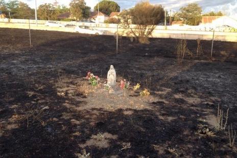 西班牙軍營大火,露德聖母雕像奇蹟地完好無損