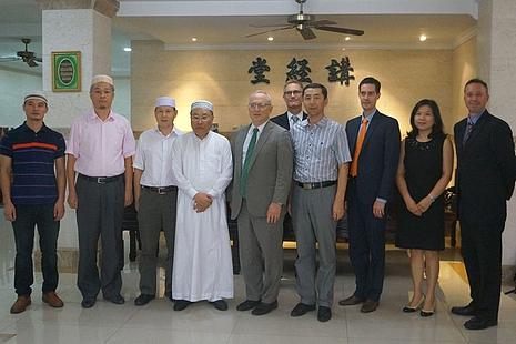 美國宗教自由大使訪華,要求北京釋放基督徒律師和牧師 thumbnail
